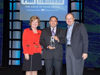 Winner of FMI Store Manager Awards Fernando Noriega