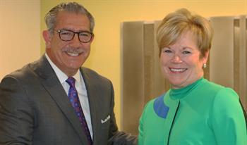 FMI President and CEO Leslie Sarasin and SFA President Phil Kafarakis agree to establish a program to engage in food safety training and increase understanding of the growing specialty food industry.